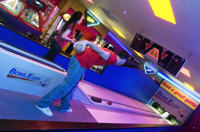 Richardson's family entertainment center - a great day out bowling in lowestoft
