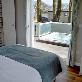 Platinum 2 bed lodge with Hot Tub